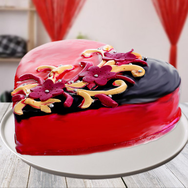 Mohali Bakers - Choco Strawberry Heart Shape Cake